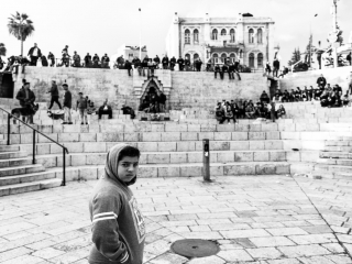 Un bambino davanti alla porta di Damasco