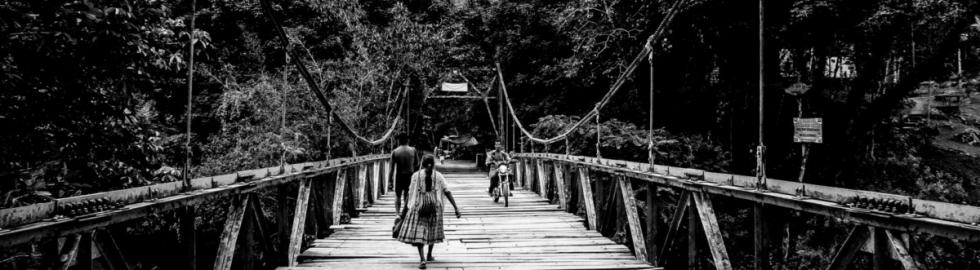 B(l)ack_White - Bridge