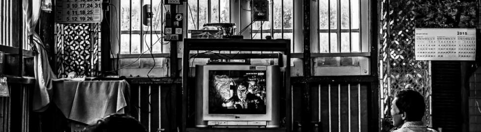 B(l)ack_White - TV