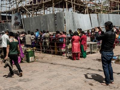 Manakamana Temple: Situato nel distretto di Gorkha, Il tempio andato completamente distrutto, ha ripreso la sua normale funzione tra i fedeli induisti